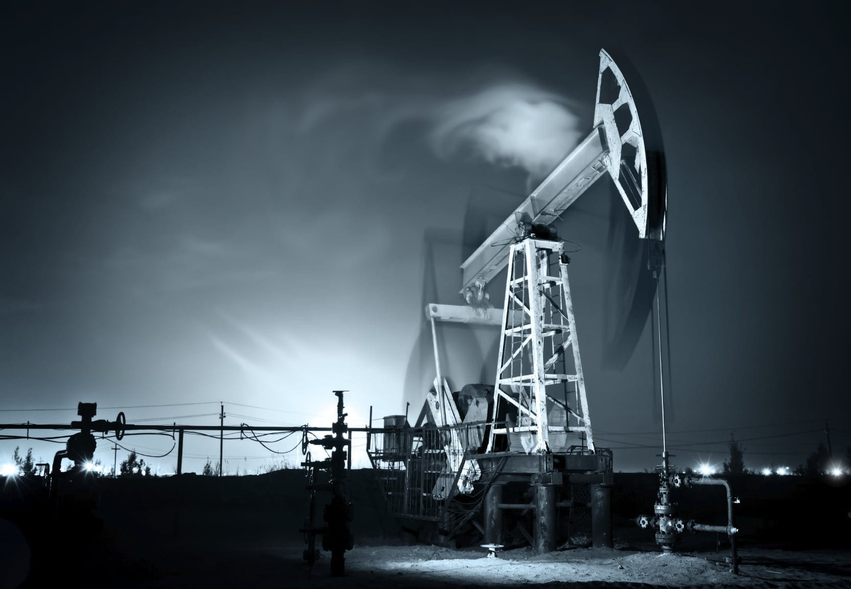 Black And White Photo Of An Oil Pump